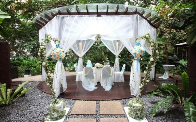 Wedding Decor – How to Transform an Outdoor Venue
