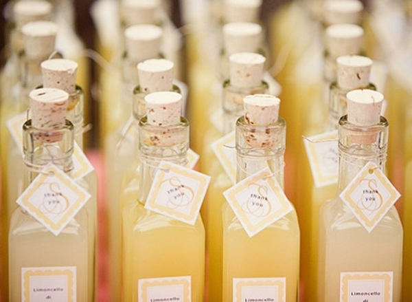 limoncello weddig-favours